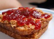 Amor por: Sándwich con mantequilla de maní y mermelada (PBJ)