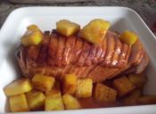 Receta: Jamón de pavo caramelizado y piñas asadas