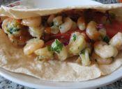 Prepara Tortillas con Camarones