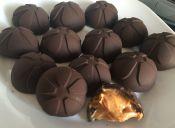 Prepara Bombones de chocolate y queso philadelphia
