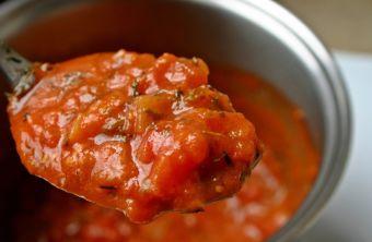 Prepara salsa de tomate casera