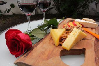 Disfruta una velada con la Tabla Romance de Quillayes
