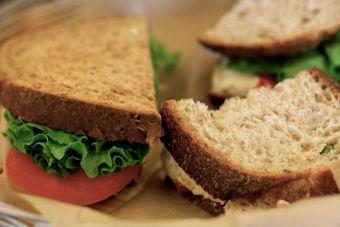 Sándwich de vegetales realmente delicioso