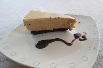 Cómo hacer un cheesecake de galletas Oreo y manjar
