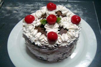 Prepara una Torta de ricotta y cerezas