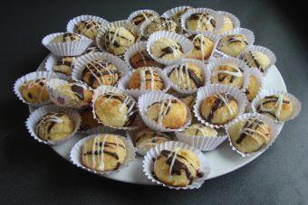 Prepara bombones de coco nuez