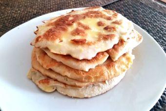 Preparar hotcakes con miel