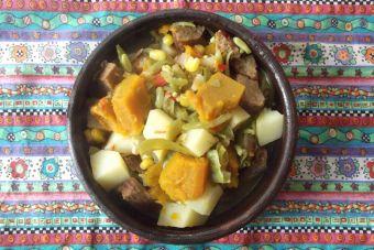 Preparar soyacán (charquicán vegano)