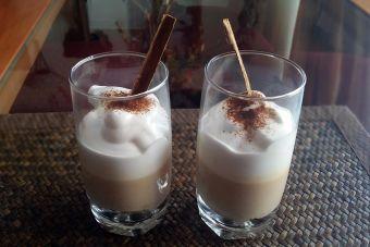 Preparar postre de café con galletas