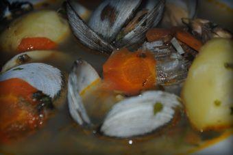 Cómo hacer sopa de almejas