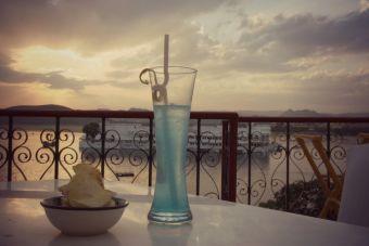 Cómo preparar un Laguna Azul