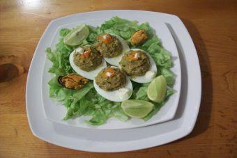 Paso a paso: Huevos rellenos con choritos