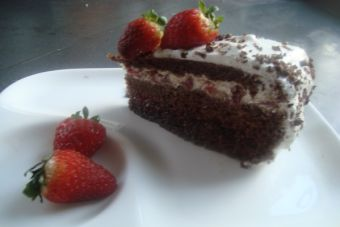 Torta de Chocolate con Frutillas