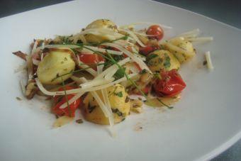Recetas Light: Bolitas de zapallo italiano salteadas con tomate, orégano y queso