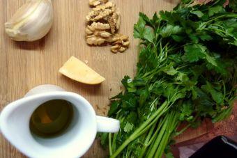 Cómo hacer Pesto de perejil y nueces