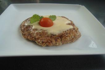 Mejora tu digestión con esta Tortilla de salvado con queso crema y jamón