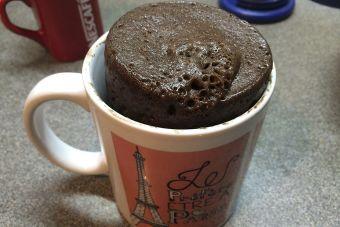 Prepara un bizcocho al microondas: ¡En sólo 7 minutos!
