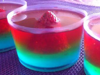 Los entretenidos jelly shots de colores