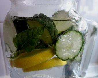 Refrescante: Aguas con sabor hechas en casa