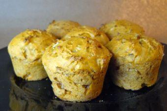 Prepara Muffins salados de queso parmesano, romero y tomate