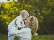 ¿Cómo cambia la maternidad tu vida social?