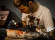 10 cualidades que nos atraen de: los tatuadores