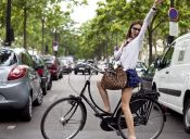 Sin miedo sobre la bici: Looks para este verano