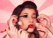 Pequeñas cosas terribles: maquillarse