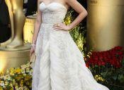 Los premios a los mejores vestidos en los Oscar serán para ayudar a Chile