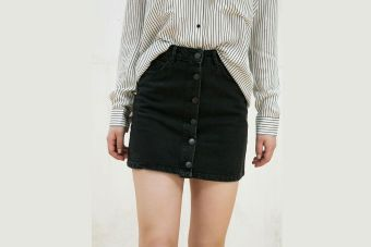 mejor sitio web c4c9f d2a8a Tendencia: mini falda con botones - Fucsia