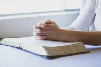 Vivir con unos padres demasiado religiosos