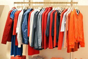 ¿Dónde se puede comprar ropa usada por Internet?