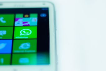 La cobardía de terminar por Whatsapp