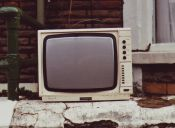 Nativos digitales siguen pasando más tiempo en los medios tradicionales