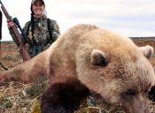 Organizaciones se unen para que gobierno sudafricano le prohíba ingreso a cazadora