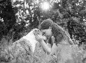 """Emotivo proyecto fotográfico retrata """"el último adiós"""" de mascotas y sus dueños"""