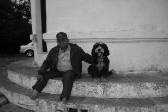Animalterapia: Los beneficios que entregan las mascotas a los adultos mayores