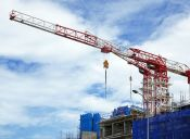 ¿En cuál institución acreditada puedo estudiar Ingeniería en Construcción?