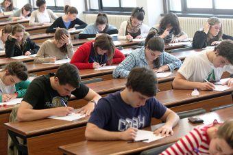 Qué es y cómo funciona la Beca: Hijos de Profesionales de la Educación