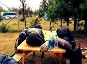8 artículos que no pueden faltar en tu mochila al momento de ir a acampar