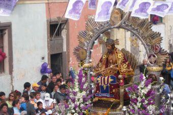 3 celebraciones religiosas imperdibles del Perú, Señor de los Milagros, Cautivo de Aybaca y Señor del Mar