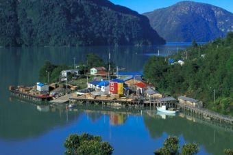 Nueva Ruta marítima unirá Caleta Tortel con Puerto Natales