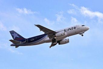 LAN cancela vuelos a Argentina debido a paro