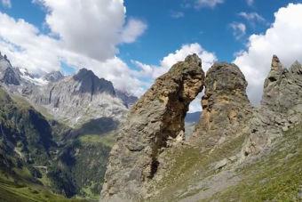 Impresionante hazaña extrema en wingsuit al cruzar angosta cueva