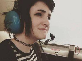 Adolescente sobrevive accidente de avión y camina por días para encontrar ayuda