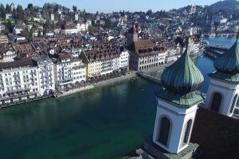 Lucerna una hermosa ciudad vista desde el aire