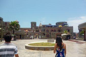 Mochileros por Sudamérica: Visitando el Castillo de Chancay, Perú