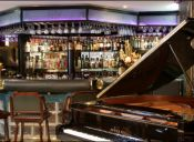 Queen's Piano Bar