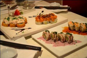 Fukai Sushi Lounge and Asian Bistro: Rolls gourmet en el Patio Bellavista