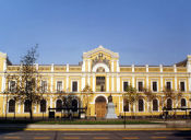 Jóvenes estudiarán gratis en la Universidad de Chile luego de 35 años
